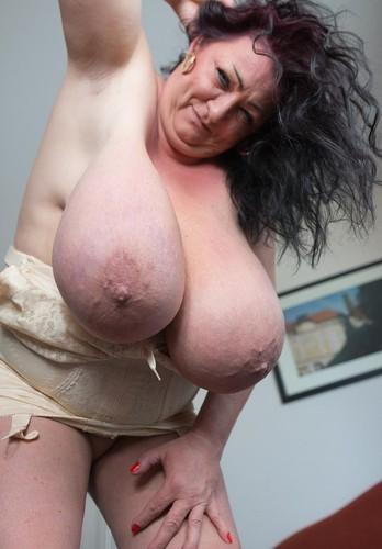 Sabrina Meloni   Wet Slippery Tits