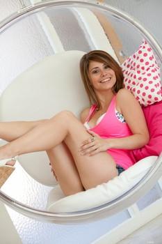 Hailey Leigh - Hanging Chair Pink v4ohi9mg1l.jpg